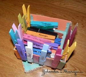 juegos con pinzas y colores para niños