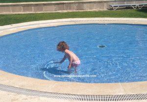 ir a la piscina con niños